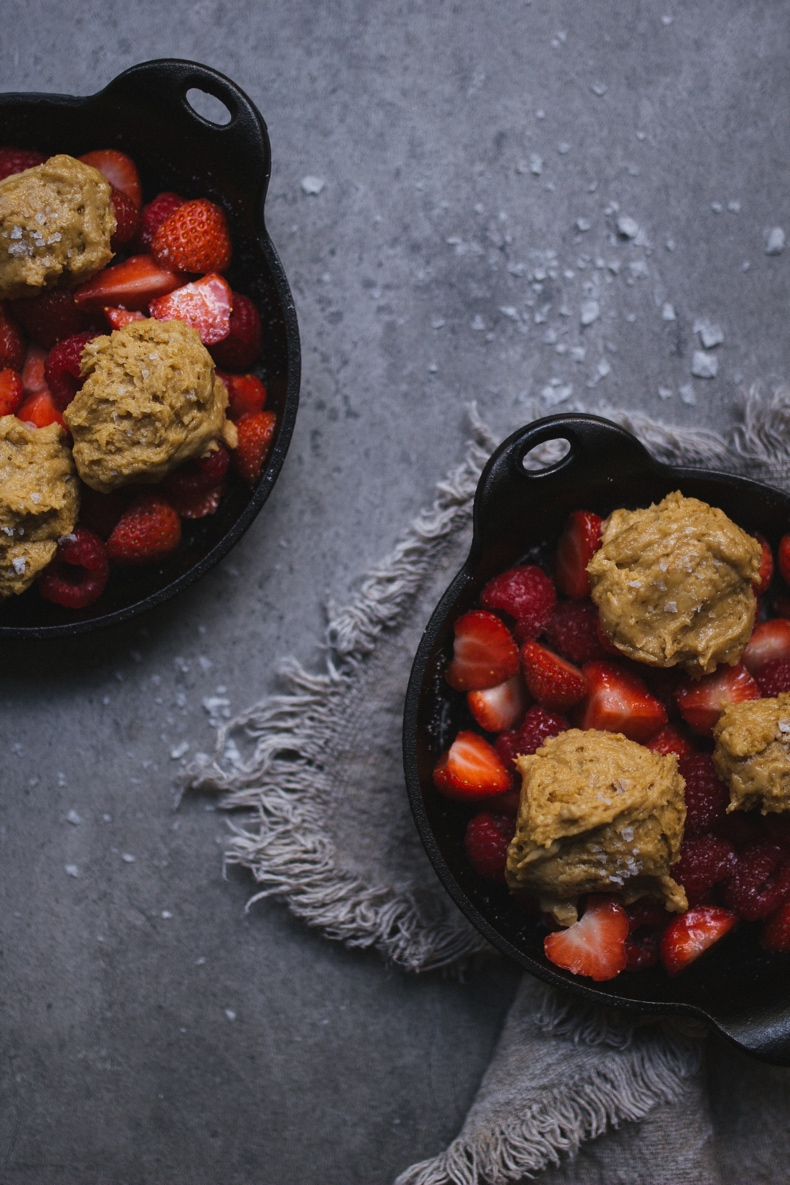 Cobbler with strawberries and raspberries by Tanya Balyanitsa (more on Honeytanie.com)